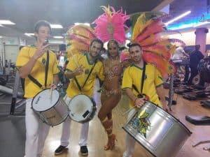 שמחה עם להקה ברזילאית
