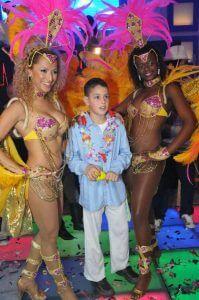 רקדניות ברזילאיות בבר מצווה