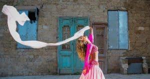 רקדניות לחתונה