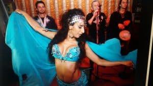 רקדנית בטן לאירועים